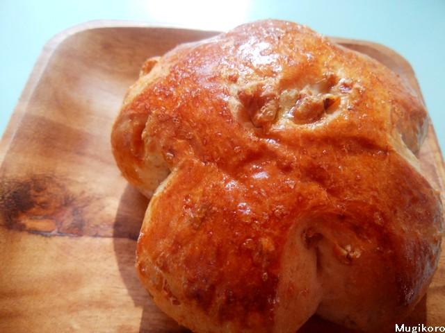 麦香炉くるみパン