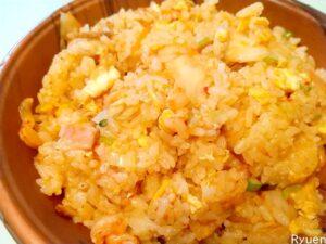 龍苑キムチ炒飯